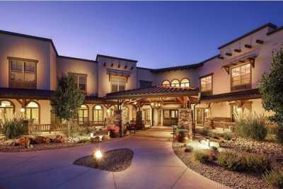 MorningStar Assisted Living & Memory Care of Albuquerque outdoor common area